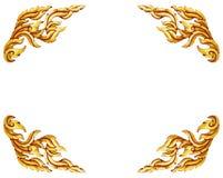Modelo tailandés del estilo del oro de las puertas de madera antiguas viejas del marco aislado fotografía de archivo