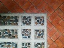 Modelo y fondo de piedra del bloque Foto de archivo