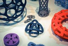 Modelos abstratos impressos pelo close-up da impressora 3d Foto de Stock Royalty Free