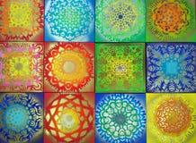 Modelos brillantes, diversos colores brillantes, dibujando Fotografía de archivo