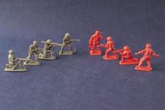 Modelos de escala de la escena de batalla de los soldados Foto de archivo libre de regalías