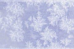 Modelos de la helada natural y de los copos de nieve en el metal Imágenes de archivo libres de regalías