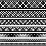Modelos de los elementos de la decoración de la frontera en colores blancos y negros La frontera étnica geométrica en diversos ta Fotografía de archivo libre de regalías