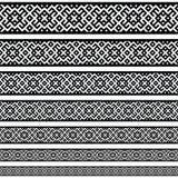 Modelos de los elementos de la decoración de la frontera en colores blancos y negros La frontera étnica geométrica en diversos ta Foto de archivo