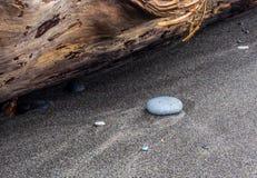 Modelos del agua en la playa arenosa Imágenes de archivo libres de regalías
