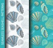Modelos inconsútiles de la concha marina A mano bosquejo dibujado basado Fotos de archivo