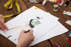 Modelos nuevos del dibujo del diseñador de moda de la ropa Fotografía de archivo