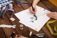 Modelos nuevos del dibujo del diseñador de moda de la ropa Imagen de archivo libre de regalías