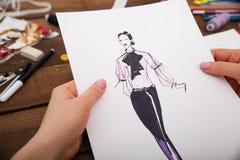 Modelos nuevos del dibujo del diseñador de moda de la ropa Foto de archivo libre de regalías