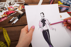 Modelos nuevos del dibujo del diseñador de moda de la ropa Foto de archivo