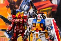 Modelos plásticos de la escala de Gundam en la tienda en Tailandia Foto de archivo libre de regalías
