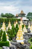 Modelos tailandeses do estilo e do pagode do pavilhão foto de stock royalty free