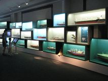 Modelschepen in het maritieme museum van Hong Kong stock foto
