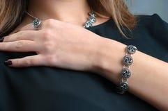 Modelvertoningen van juwelen Royalty-vrije Stock Foto