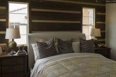 Modelwoning geleverde slaapkamer, Californië Stock Afbeelding