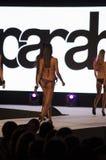 Modemodell i bikini Arkivbilder