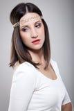 Modemodell med långt rakt hår Arkivbild