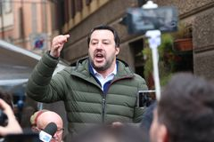 MODENA - ITALIË, 20 FEBRUARI, 2018: Matteo Salvini, openbare politieke conferentie Lega Nord Royalty-vrije Stock Foto