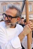 Modena, Italia, dicembre 2018, cuoco unico Massimo Bottura in un evento pubblico in piazza Roma, Modena, Italia fotografia stock libera da diritti
