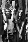 Modepaare im Wandschrank stockfoto