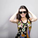 Modeporträt der jungen Brunettefrau Stockfotos