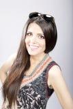 Modeporträt der jungen Brunettefrau Lizenzfreies Stockfoto