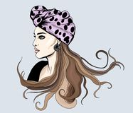 Modeporträt des jungen herrlichen Frauenstands im Profil mit Zusätzen stock abbildung