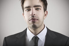 Modeporträt des jungen stilvollen Mannes Lizenzfreie Stockbilder