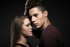 Modeporträt von jungen schönen Paaren Lizenzfreie Stockfotografie