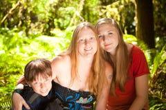 Moder, dotter och son Royaltyfri Bild
