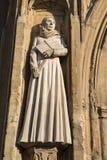 Moder Julian Sculpture på den Norwich domkyrkan Royaltyfri Bild