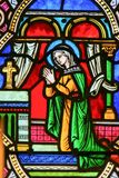Moder Mary i bön arkivbild