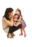 Moder med två ungar Arkivbilder