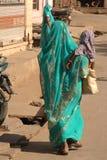 Moder och childl, Indien. Arkivbilder