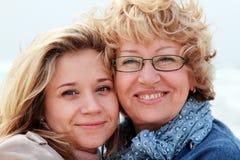 Moder och dotter Royaltyfria Foton