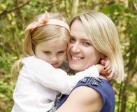 Moder och dotter Royaltyfri Bild