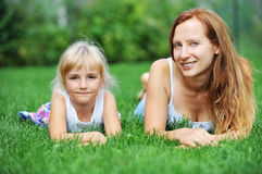 Moder och dotter royaltyfri foto