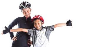 Moder och dotter som cyklar dressdropp Royaltyfria Foton