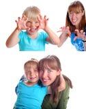 Moder och dotterleendet Arkivfoto