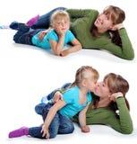 Moder och dotterleendet Fotografering för Bildbyråer