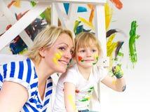 Moder- och dottermålarfärg Royaltyfria Bilder