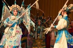 """Moder och son av allmänna generaler för PekingOpera"""" kvinnor av Yang Familyâ € royaltyfri fotografi"""