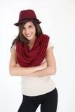 Moderiktig flicka med den röda hatten Arkivfoton