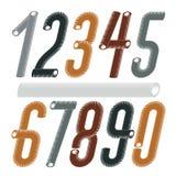 Moderiktig vektortalsamling Modern kursiv kondenserade, h?gv?xta skraj nummer fr?n 0 till 9 som var b?sta f?r bruk i logoen, affi royaltyfri illustrationer