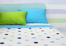 moderiktigt sovrum Arkivfoto