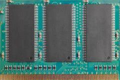 Moderkort med processorer teknologi för planet för telefon för jord för binär kod för bakgrund Dataindustr Royaltyfri Foto