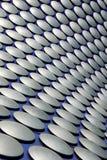 Modern abstrakt takcladding på tjurfäktningsarenashoppingmitten Arkivfoton