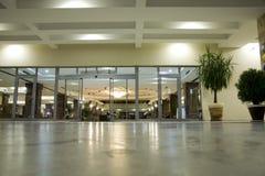 modern affärscentrumkorridor Royaltyfria Foton