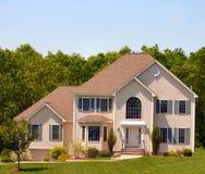 Modern Amerikaans Huis stock afbeelding