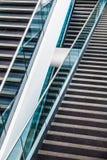Modern arkitektonisk trappuppgångdetalj Arkivfoto